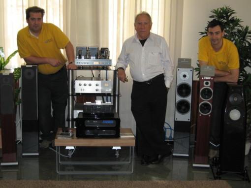 Iñaki , Super Paquito y Juan Luís audicionando que van a galufar.